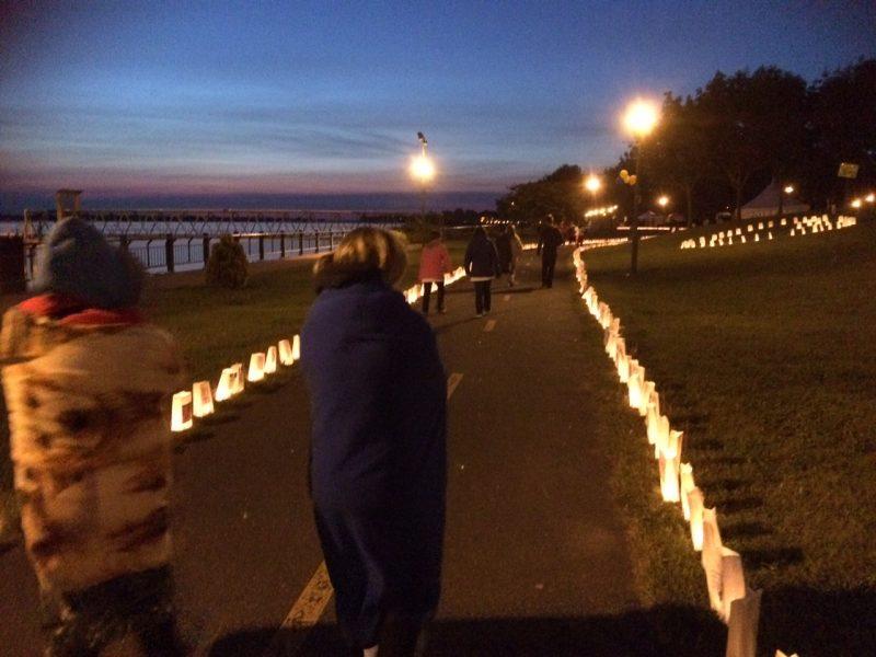 Le Relais pour la vie a rassemblé 334 participants au parc Regard-sur-le-fleuve où ils ont dû marcher à relais pendant 12h durant la nuit du 6 au 7 juin. | TC Média - Sarah-Eve Charland