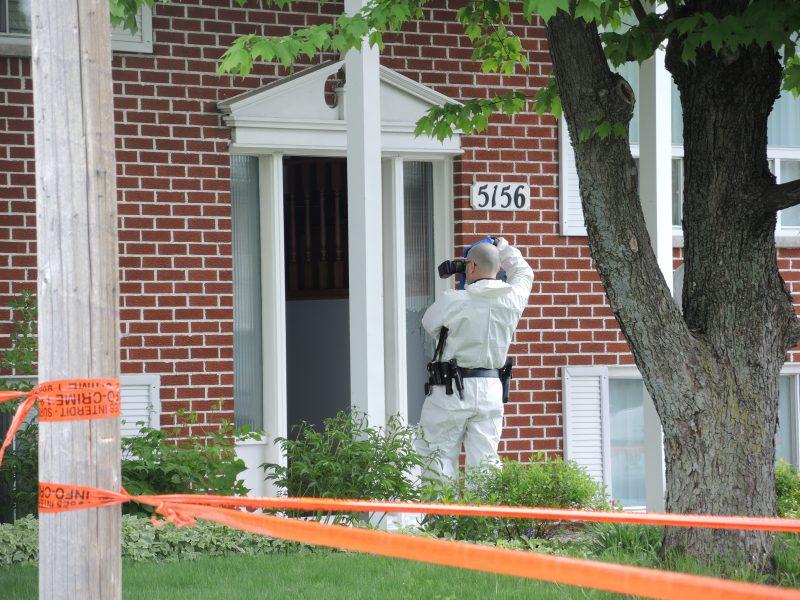 Les enquêteurs étaient sur place, jeudi matin. | Photo: TC Média - Sarah-Eve Charland