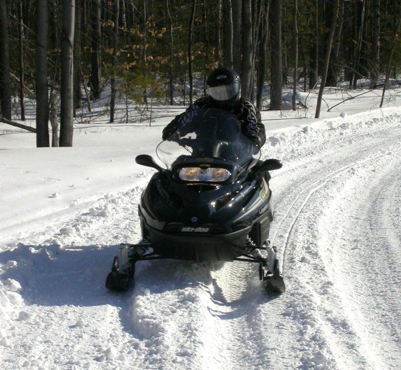 Le mois de février est fort propice à la pratique de la motoneige et du VTT. | Photo: TC Média - Archives
