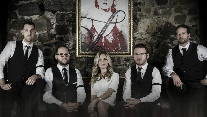 Le groupe Hitlist, qui met en vedette l'ancienne participante de l'émission La Voix 2014 Julie Lefebvre (au centre), sera sur la scène le 13 août. | Gracieuseté