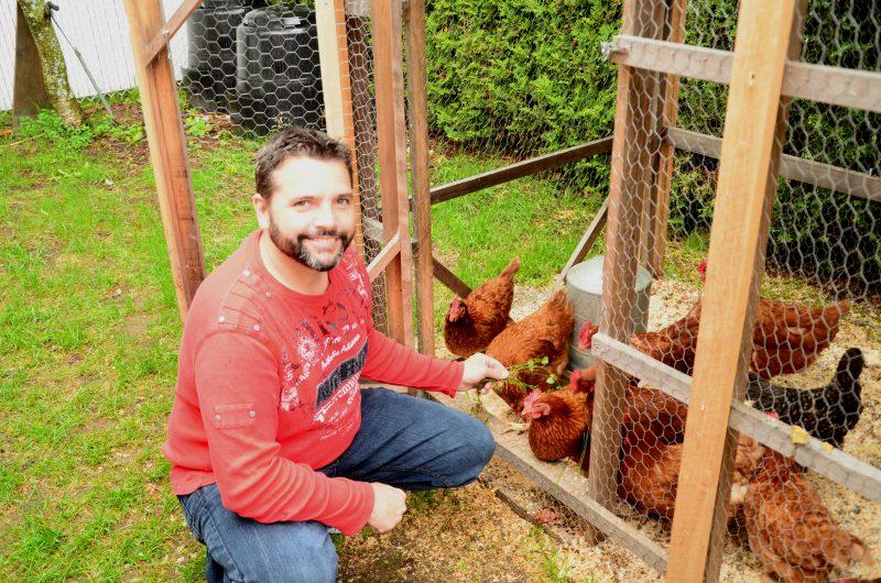 Jocelyn Chapdelaine veut réglementer la présence des poules en milieu urbain à Saint-Roch-de-Richelieu. | TC Média - Sarah-Eve Charland