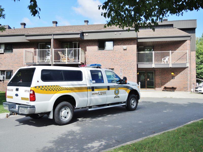 Une perquisition a lieu le jeudi 1er septembre dans un HLM du rang Nord, à Sorel-Tracy. | TC Média - Julie Lambert