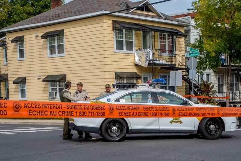 Les policiers ont été appelés vers 7 h dans un appartement de l'avenue Hôtel-Dieu. | Photo: TC Media - Pascal Cournoyer