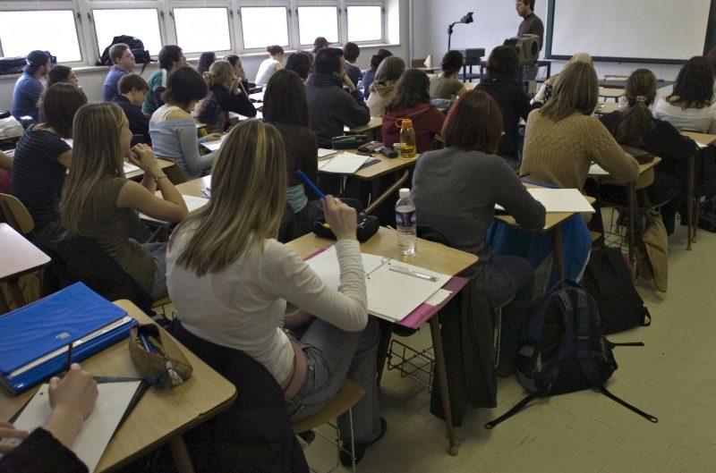 La Commission scolaire de Sorel-Tracy choisit d'intégrer de plus en plus les élèves handicapés ou ayant des difficultés dans les classes régulières. | TC Média - Archives