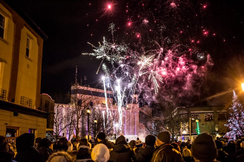 L'événement a rassemblé près de 4000 personnes l'an dernier, mais les feux d'artifice auront lieu au quai no 2 cette année. | TC Média - Pascal Cournoyer