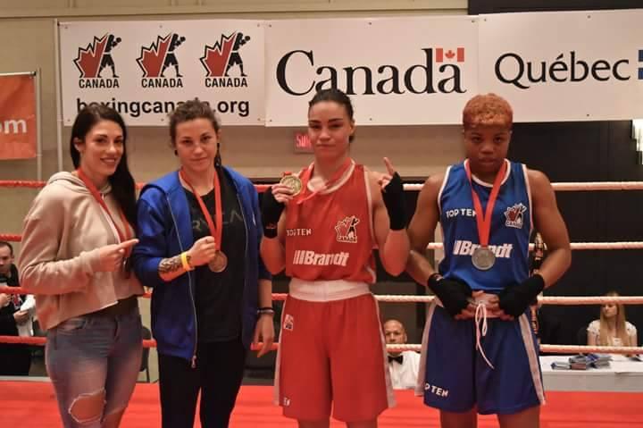 Laury Gervais (deuxième à partir de la gauche) revient de Québec avec le sentiment de satisfaction. | Photo: Tirée de Facebook