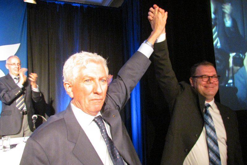 C'est avec émotion que Gilles Duceppe a accepté de reprendre le flambeau que lui a tendu Mario Beaulieu. | TC Média - Sébastien Lacroix