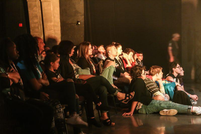 Les spectacles ont attiré une bonne foule au quai Catherine-Legardeur, le 2 juin. | Pascal Cournoyer