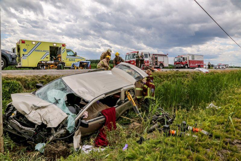 Les deux passagers de la moto reposent dans un état critique. | TC Media - Pascal Cournoyer