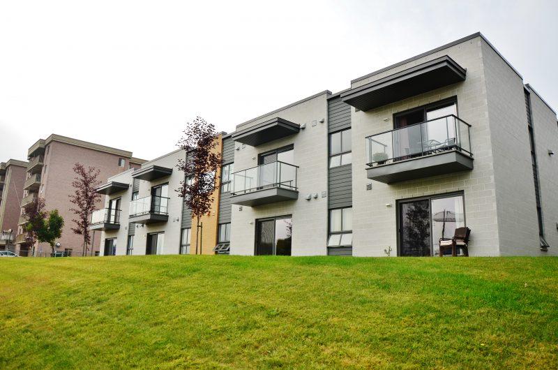 Le dernier projet de logements sociaux réalisé à Sorel-Tracy était la construction de 14 logements sur la rue Robidoux en 2014. | Photo: TC Média – Julie Lambert