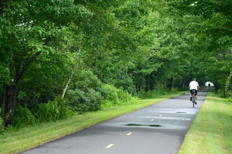 Les administrateurs du Réseau cyclable La Sauvagine veulent toujours prolonger la piste cyclable jusqu'à Saint-François-du-Lac. | TC Média - Julie Lambert