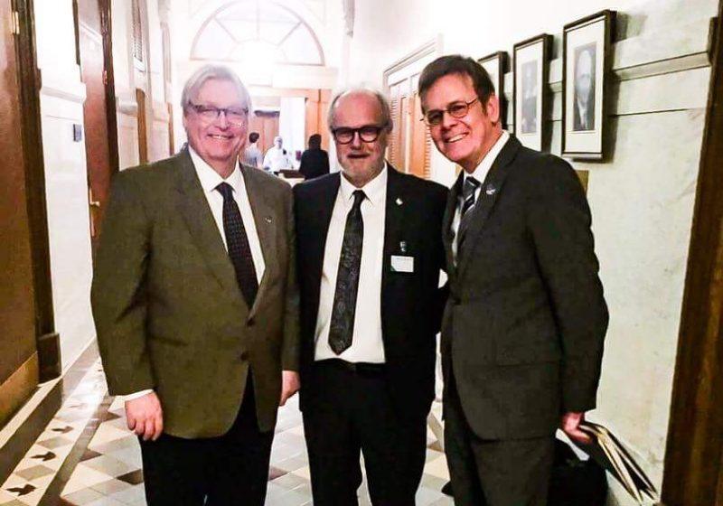 Le ministre Gaétan Barrette, le président du c.a. de la Fondation Hôtel-Dieu Jocelyn Cayer et le député Sylvain Rochon | Gracieuseté