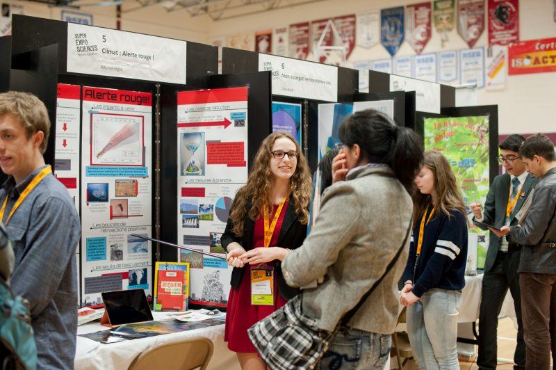 Jeanne Lavallée et son projet Climat : Alerte rouge ! lors de la Super Expo-sciences Hydro-Québec, finale québécoise 2015 à Gatineau. | Gracieuseté - Jacinthe-Lory Bazinet