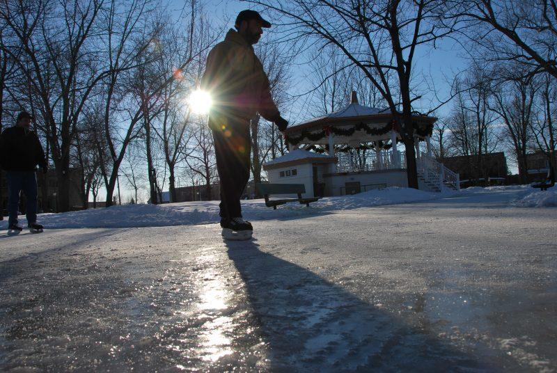 La majorité des patinoires extérieures ont été ouvertes en début de semaine. | TC Média - Archives