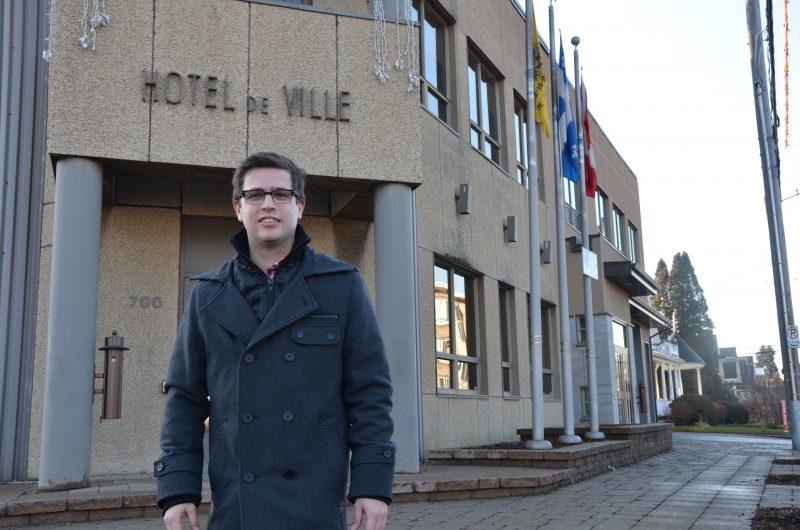 Vincent Deguise se dit heureux comme un roi d'occuper son poste de conseiller municipal à Saint-Joseph-de-Sorel. | Photo: TC Média - Sarah-Eve Charland
