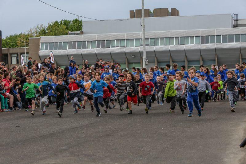 Près de 750 coureurs ont participé à la course des jeunes, à l'école Fernand-Lefebvre, le 2 juin. | Pascal Cournoyer
