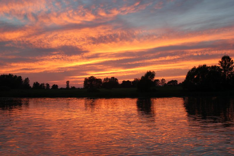 Un coucher de soleil vu sur le fleuve. | gracieuseté/Ville de Contrecœur