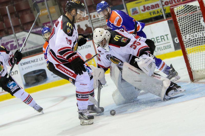 Les Éperviers de Sorel-Tracy ont vaincu les Draveurs de Trois-Rivières par la marque de 6-1 le jeudi 5 octobre, au Colisée Cardin. | Pascal Cournoyer