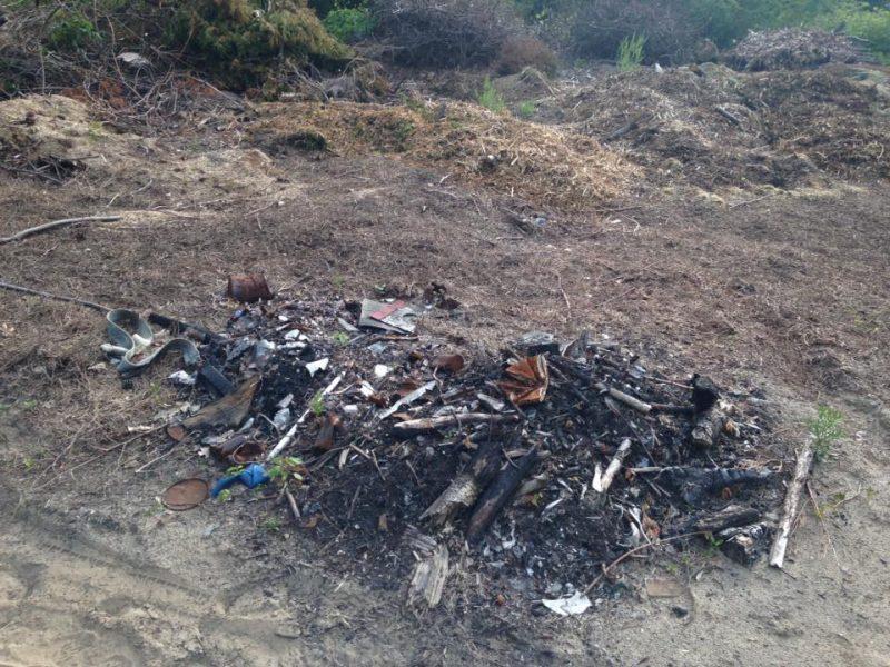 Plusieurs lecteurs du Journal ont remarqué des dépotoirs illégaux sur des terrains vacants à Sorel-Tracy. | Gracieuseté