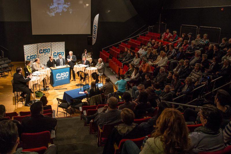 Près de 120 personnes ont assisté au débat.   TC Média - Pascal Cournoyer