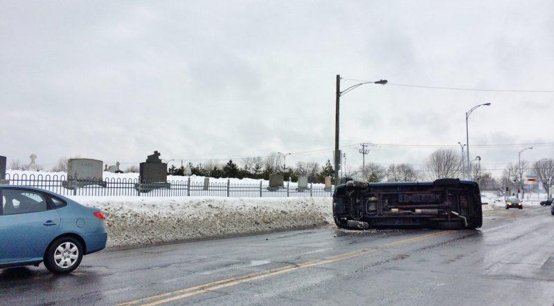 Un accident est survenu sur le boulevard Fiset le 7 mars. | Photo: TC Média - Julie Lambert