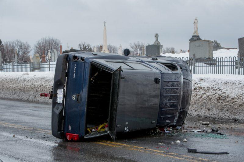 Le personnel des services d'urgence est arrivé sur les lieux quelques minutes plus tard. | Photo: TC Média - Pascal Cournoyer