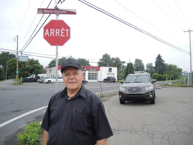 Le conseiller du district 6, Jean-Yves Gendron, exige un feu clignotant à l'intersection de la route 132 et de la montée Saint-Roch à Contrecœur. | TC Média - Sarah-Eve Charland