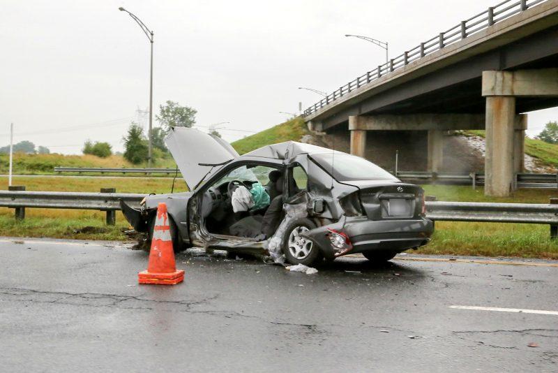 La collision entre deux véhicules a fait trois blessés sur l'autoroute 30 à Contrecœur. | TC Média - Pascal Cournoyer