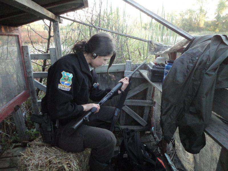 Les agents de la protection de la faune ont effectué des vérifications d'armes. | Gracieuseté