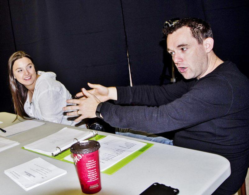 Le producteur et réalisateur Guillaume Venne (à gauche) et son assistante Marie-Pier Robidoux ont déjà réalisé des auditions pour certains rôles en octobre dernier. | Photo: Gracieuseté
