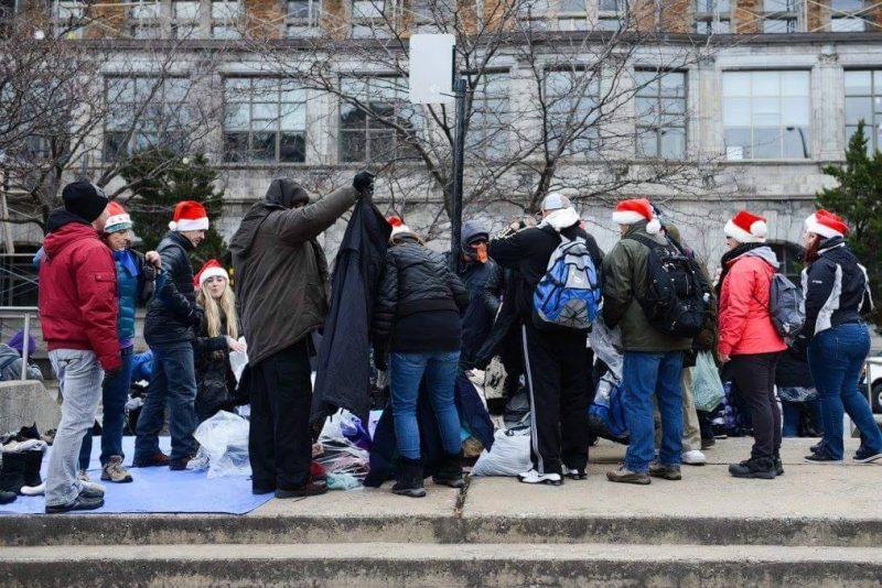 De nombreux sans-abri ont profité de la générosité de gens de la région. | Photo: Gracieuseté