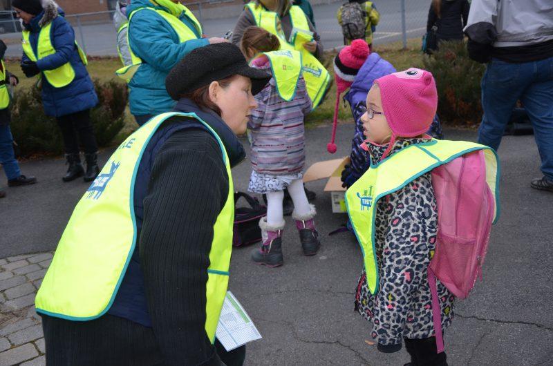 Le projet Trottibus permet aux élèves de l'école Martel de se déplacer de l'école à la maison en toute sécurité. | TC Média - Sarah-Eve Charland