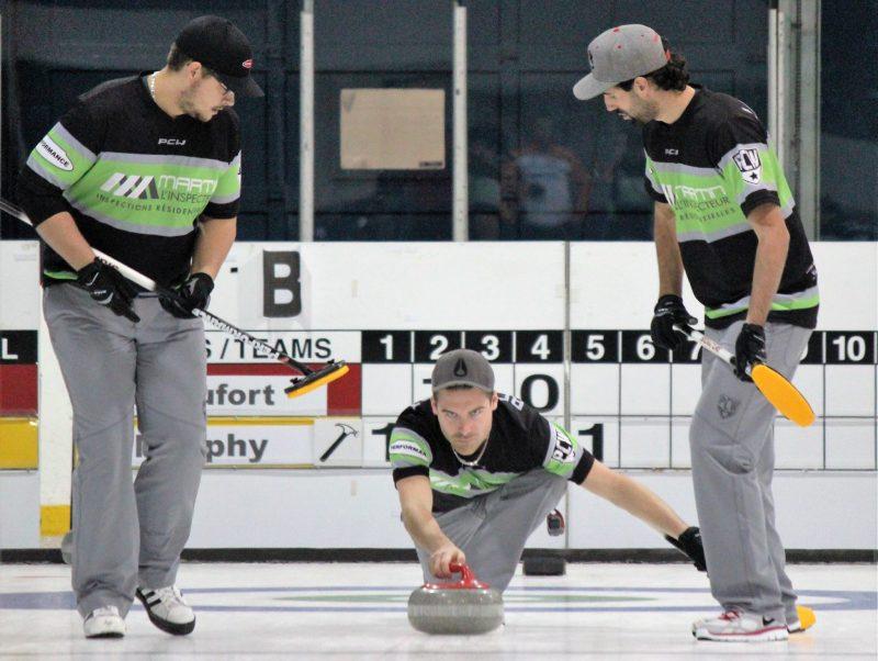 Mathieu Beaufort (au centre) et Maxime Benoît (à gauche) en action. | Photo: gracieuseté
