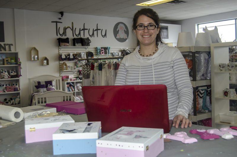 Mélanie Auclair de la boutique Turlututu a pris le virage numérique depuis longtemps. | Stéphane Martin