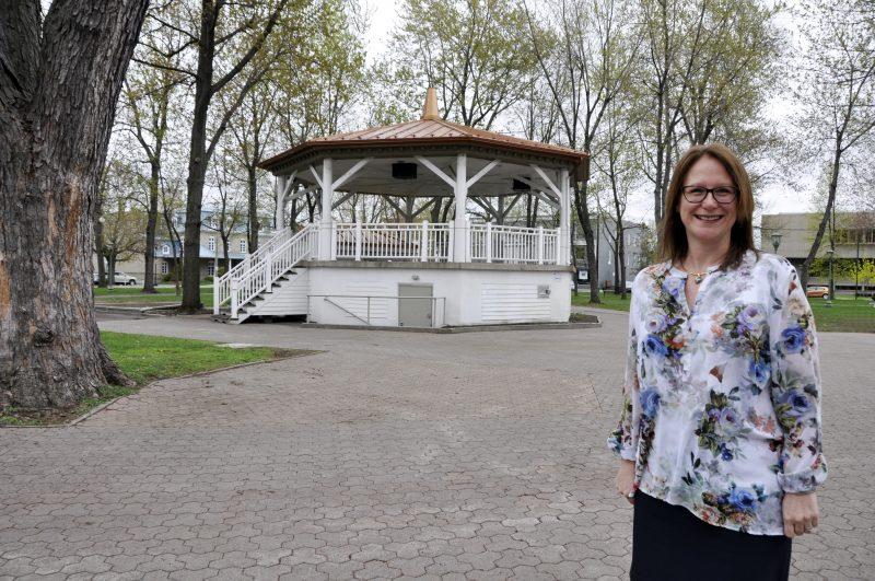 La trésorière Vicky Bussière a présenté les états financiers, le 5 juin. | Photo: TC Média - Gracieuseté