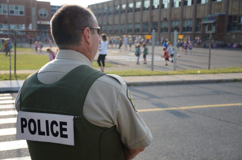 La sécurité près des zones scolaires est la priorité des policiers lors des rentrées scolaires. | TC Média - Sarah-Eve Charland