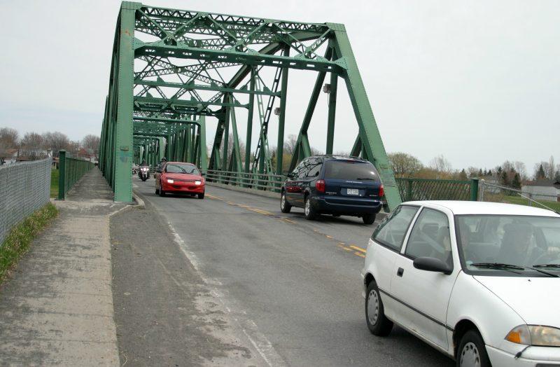 Les automobilistes circuleront en alternance sur le pont Camille-Parenteau à Yamaska le 9 et 10 novembre. | Photo: TC Média - Archives