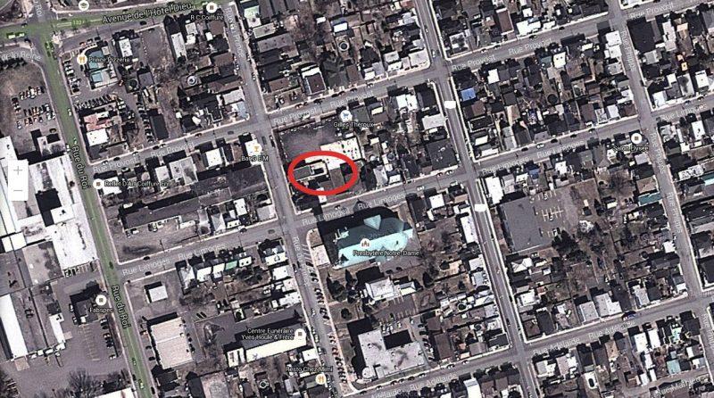 Quatre terrains du centre-ville appartenant anciennement aux Hells Angels seraient sur le point de tomber entre les mains de la Ville. | Photo : Google Earth