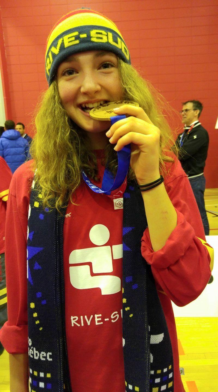 Marianne Péloquin savoure sa victoire à la 52e finale des Jeux du Québec. | Photo: Gracieuseté