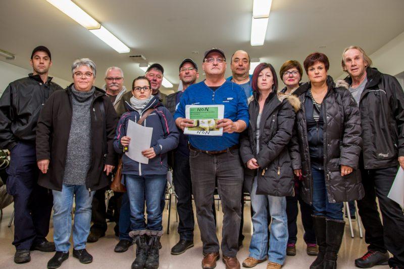 Plusieurs citoyens se sont unis pour déposer une mise en demeure aux élus de la municipalité de Saint-Roch-de-Richelieu. | TC Média - Pascal Cournoyer