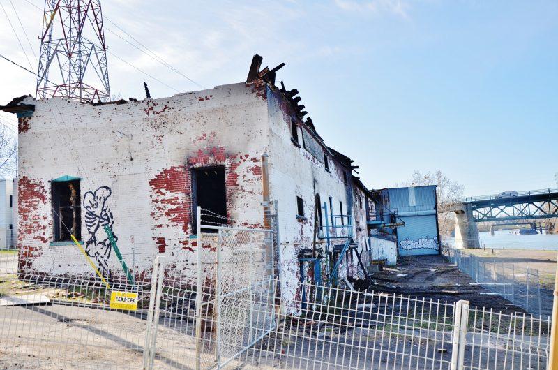 Le projet de réhabilitation des anciens bâtiments de la Sincennes-McNaughton Line ira de l'avant malgré l'incendie qui a ravagé un des lieux patrimoniaux dans la nuit du 8 au 9 mai. | Photo:m TC Nédia - Julie Lambert