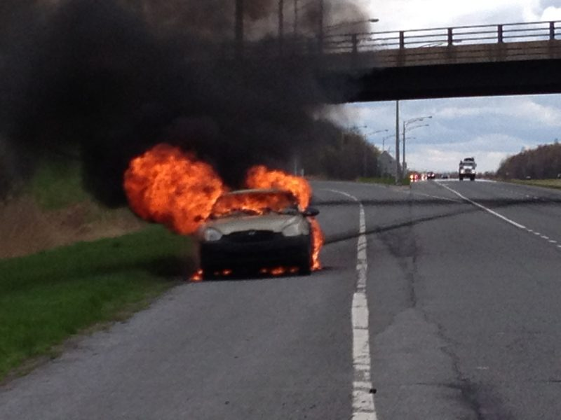 La voiture de marque Hyundai est une perte totale. | Photo: Gracieuseté -  Gilles Lapointe