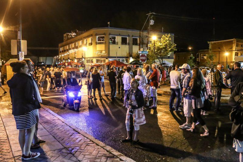 Avec le spectacle de Jean-Marc Parent, les nombreux spectacles aux coins des rues et la belle température, le premier week-end s'est avéré un succès au Festival de la gibelotte. | Pascal Cournoyer