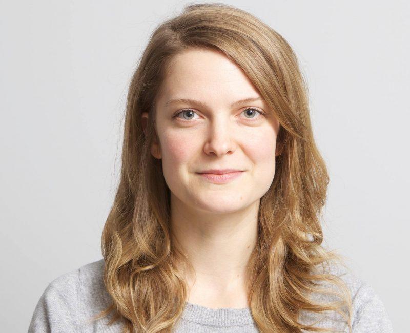 Geneviève Dulude-De-Celles a tourné son premier documentaire à l'école secondaire qu'elle a fréquentée. | Photo: gracieuseté