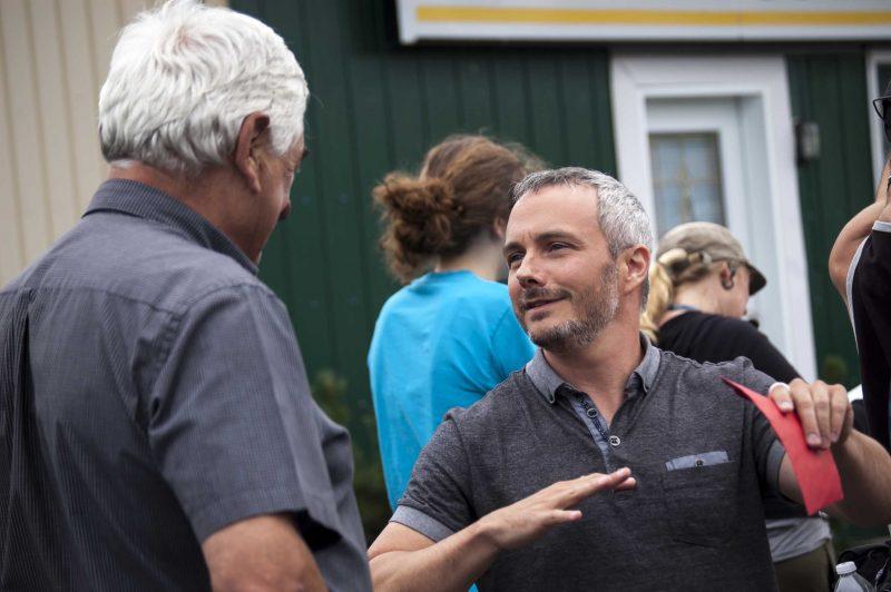 L'équipe de l'émission La Petite Séduction a passé trois jours à Saint-Robert. La population a mis le paquet pour impresisonner l'invité Vincent Bolduc et l'animateur Dany Turcotte. | Photo: Stéphane Martin