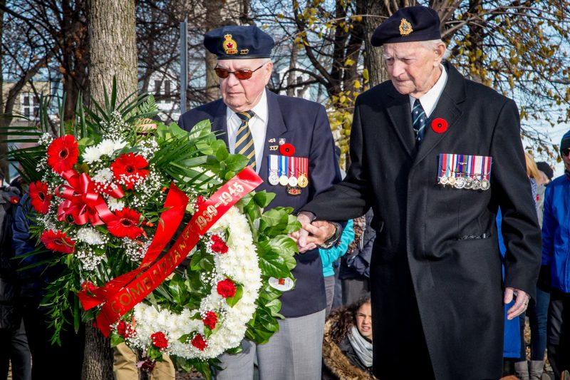 Le Jour du Souvenir a été souligné le 8 novembre à Sorel-Tracy. Il a permis aux citoyens de rendre hommage, en présence de vétérans, aux soldats morts au champ d'honneur des diverses conflits d'hier et d'aujourd'hui.   Photot: TC Média - Pascal Cournoyer