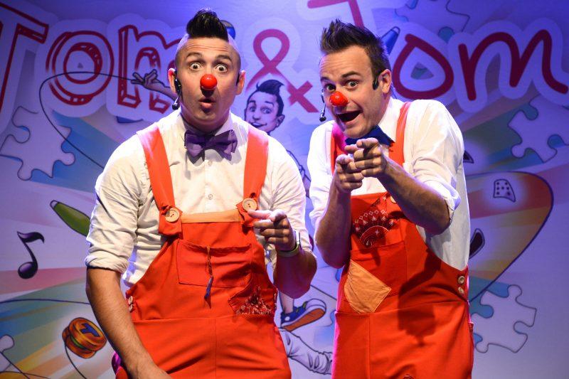 Les clowns Tom et Tom useront de leur talent d'acrobates pour divertir le public réuni à la Maison des gouverneurs le 20 décembre prochain. | Photo: Gracieuseté
