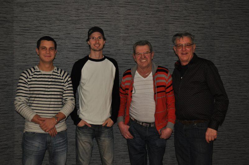 Quatre des membres du groupe Retour aux sources. Absent sur la photo, Justin Guilbault.   Photo: Gracieuseté