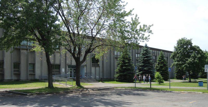 L'école secondaire Bernard-Gariépy est située dans le secteur Tracy, à Sorel-Tracy. |  © Sarah-Eve Charland