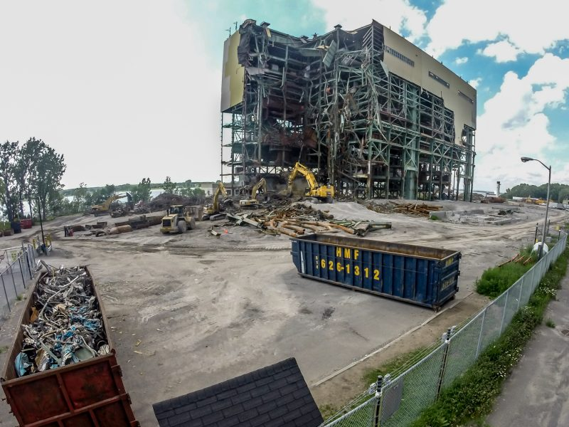 La structure de la centrale thermique est complètement disparue depuis le 25 septembre dernier. | Photo: TC Média – Pascal Cournoyer